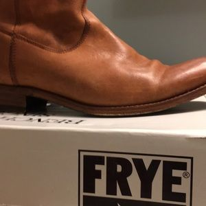 FRYE Women's Rider Pull-in Boot